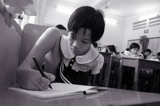 Vietnamese Girl Writes With Foot