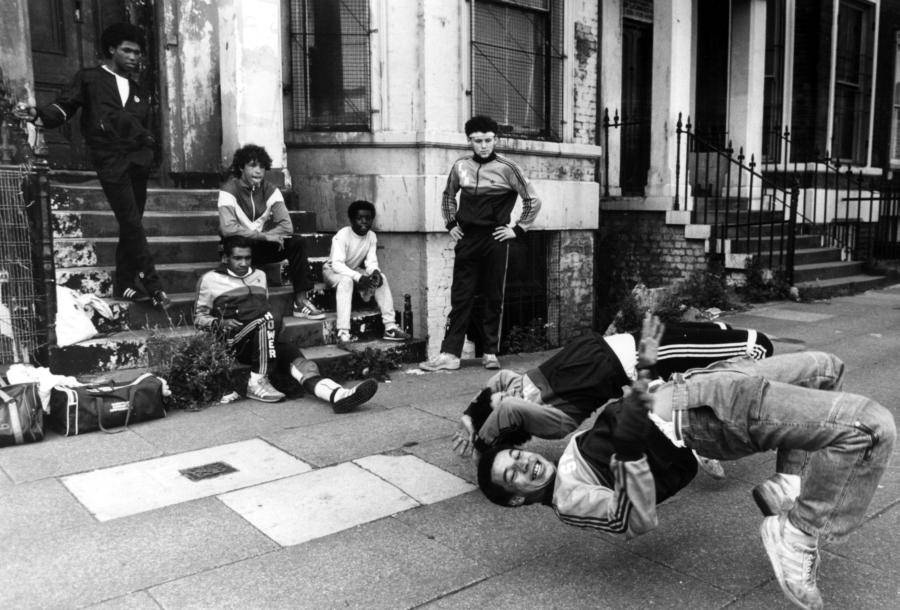 Breakdancers Stoop Sidewalk