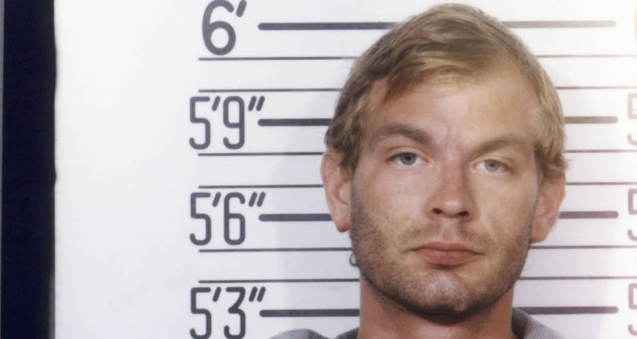 https://allthatsinteresting.com/wordpress/wp-content/uploads/2017/09/dahmer-mugshot-face.jpg