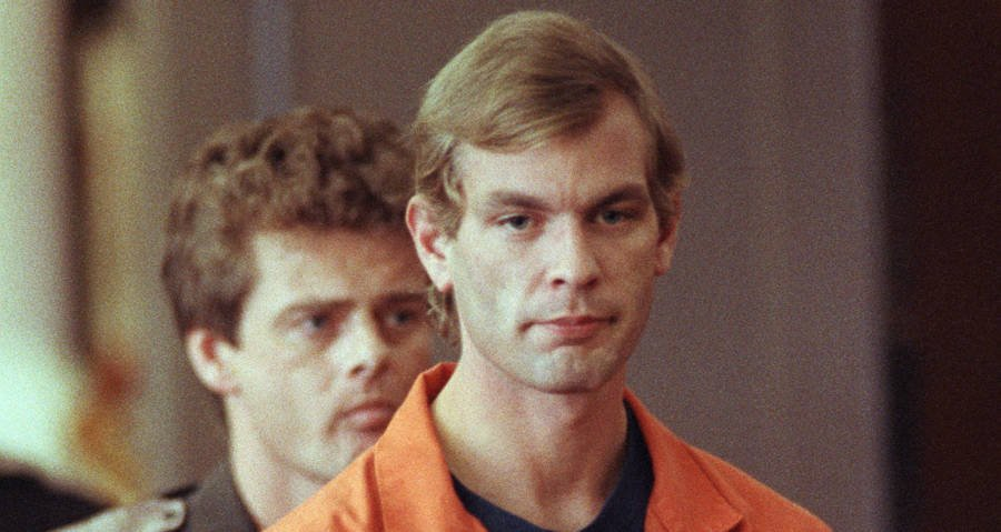 the milwaukee cannibal The crime scene at the arrest: jeffrey dahmer's fridge and polaroids dahmer's killing spree ended when he was arrested on july 22, 1991 that day, two milwaukee police officers picked up tracy.