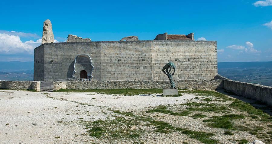 De Sade Chateau