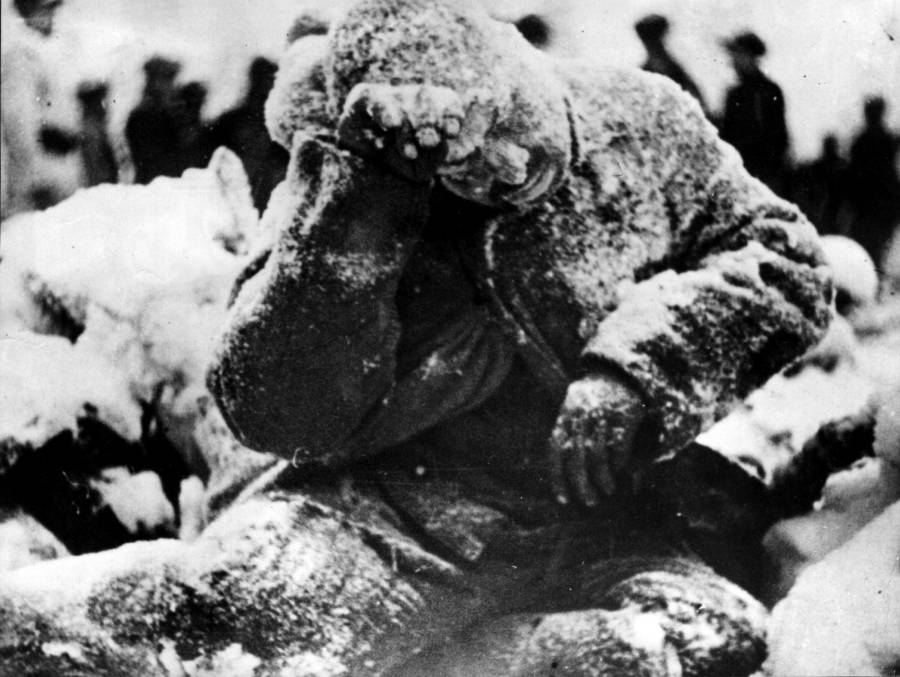 Frozen body in Winter War