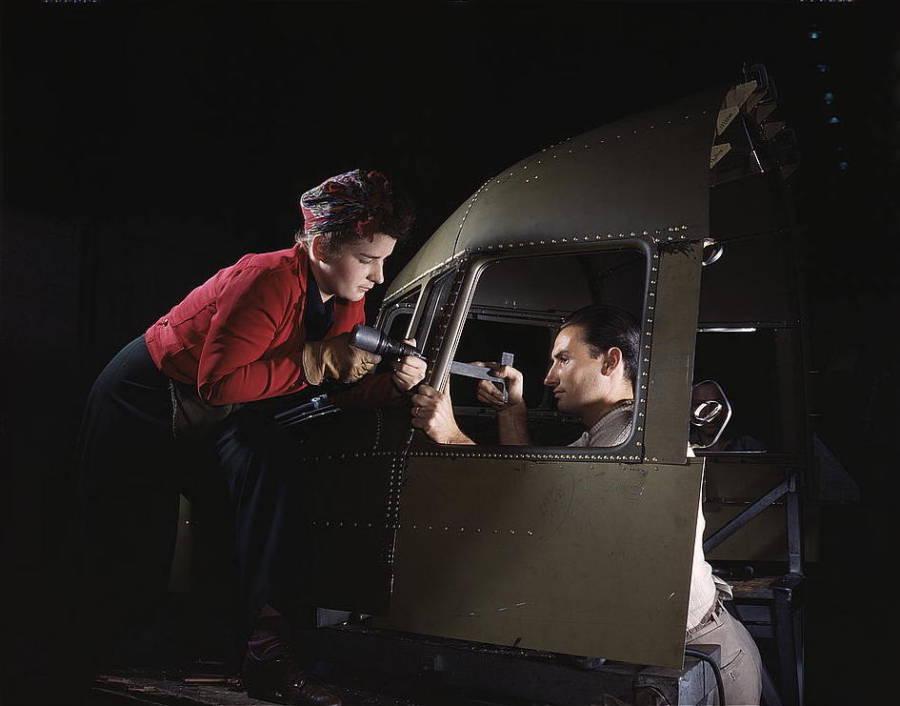Man Woman Plane Ww2