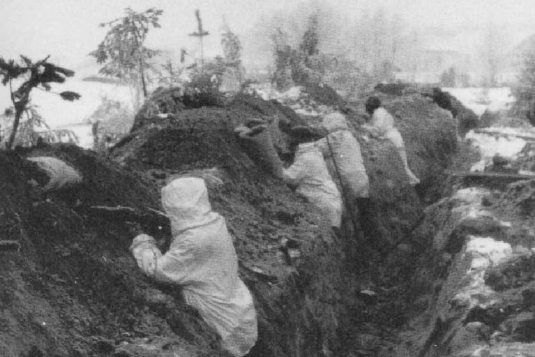 Soldiers in the Mannerheim Trenches.
