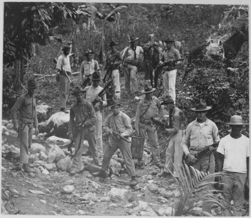 Marines in Haiti searching for guerrilla fighters