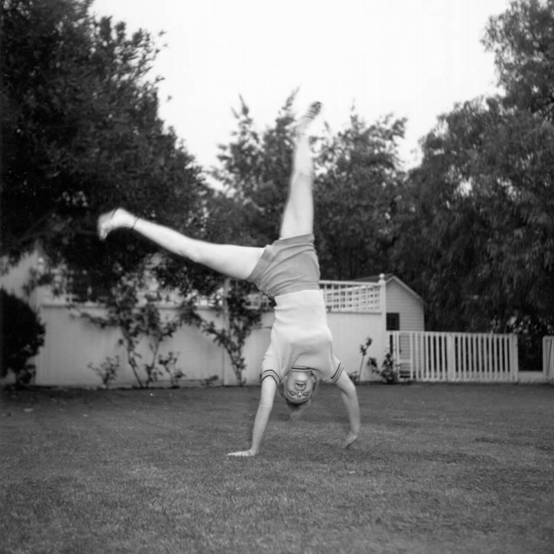 Monroe Doing A Carthwheel