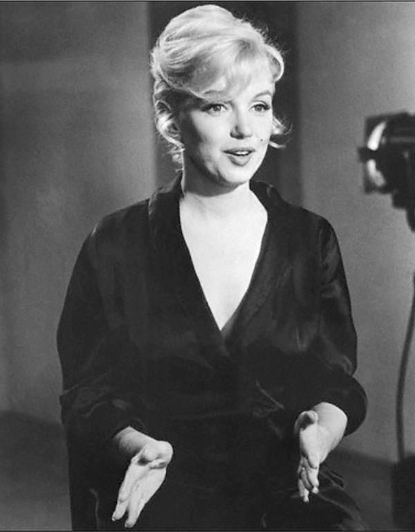Monroe On Set