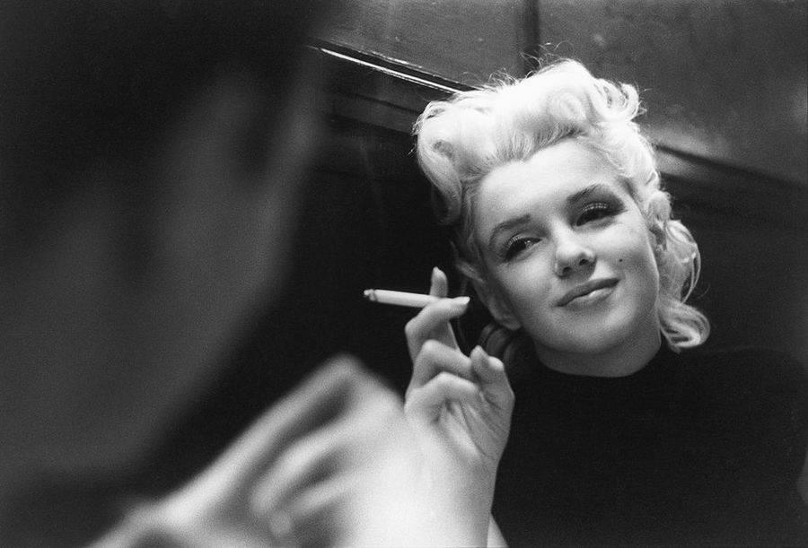 Monroe Smoking Break