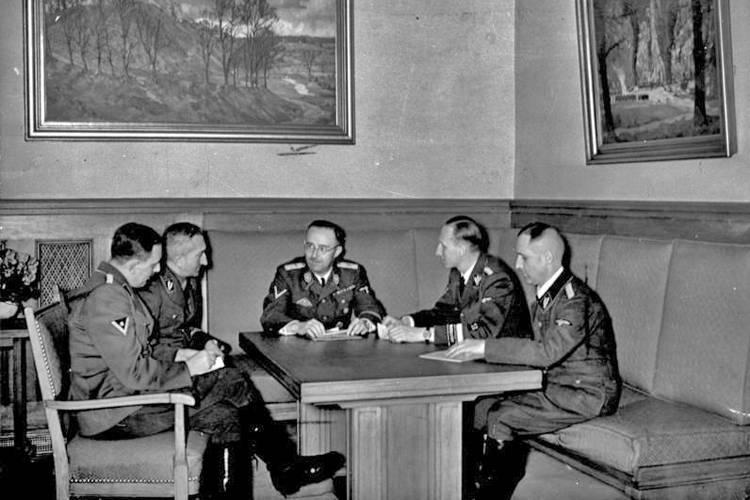 Heinrich Müller in a Nazi meeting