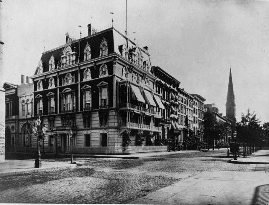 New York Mansion Seventy