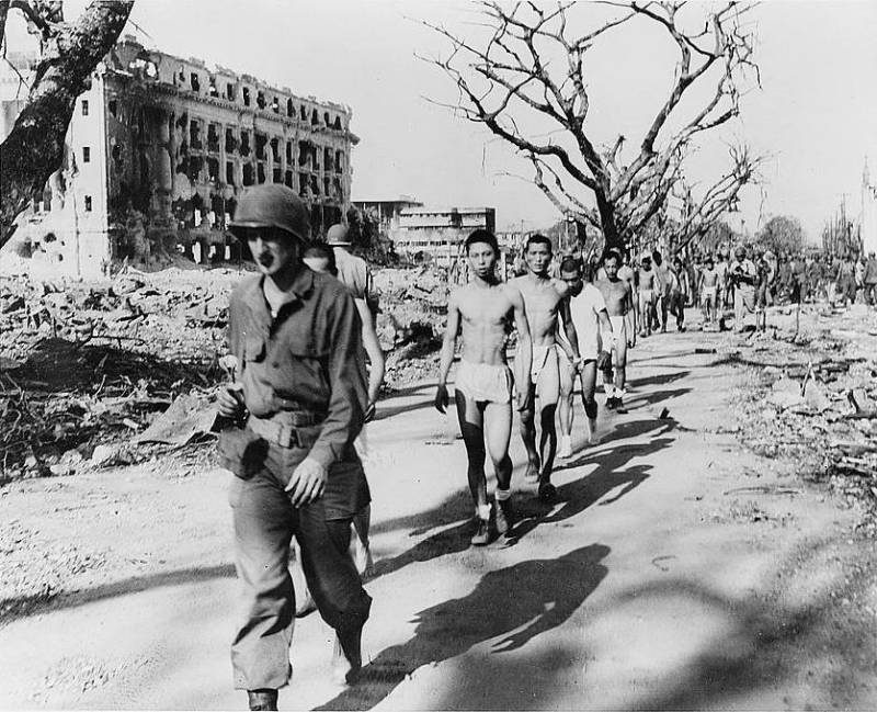 Japanese POWs walking