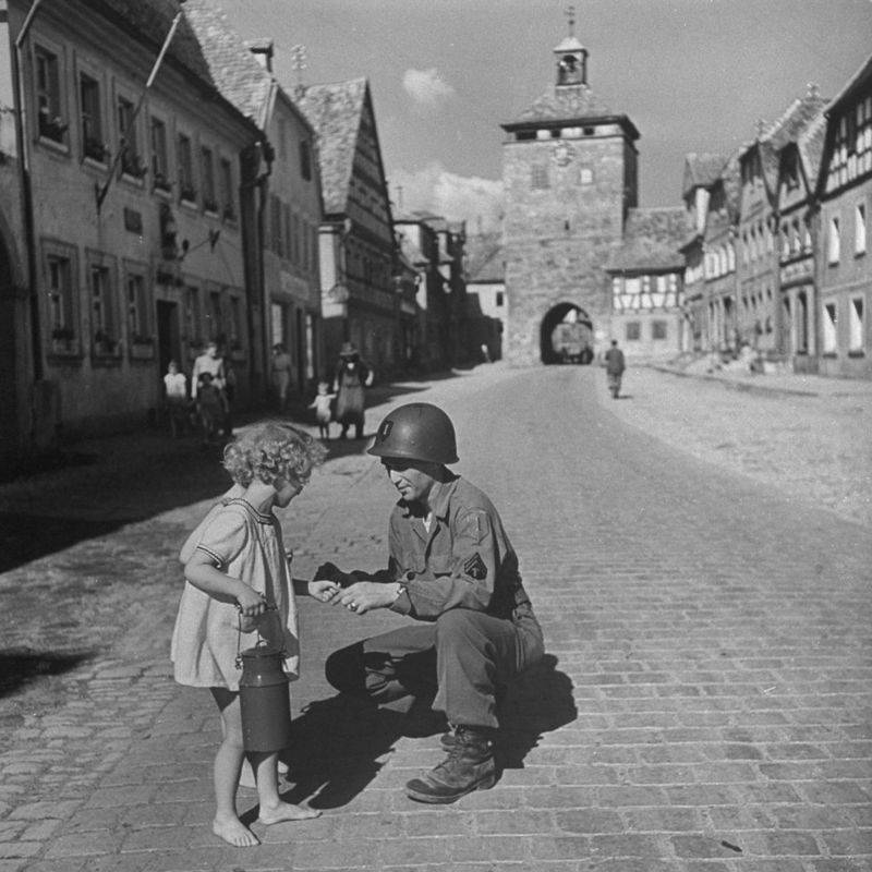Soldier And A Girl