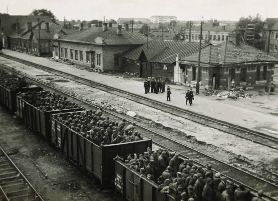 German military transporting Soviet prisoners of war