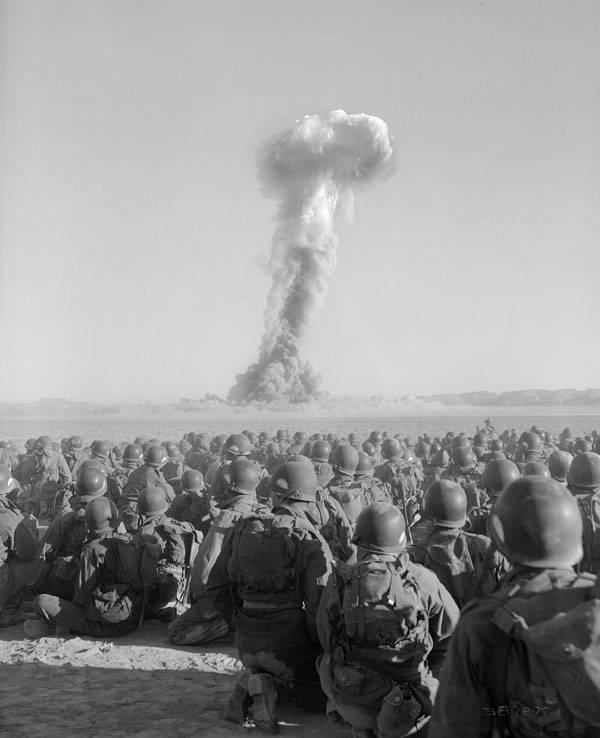 Airborne Division Watching Detonation