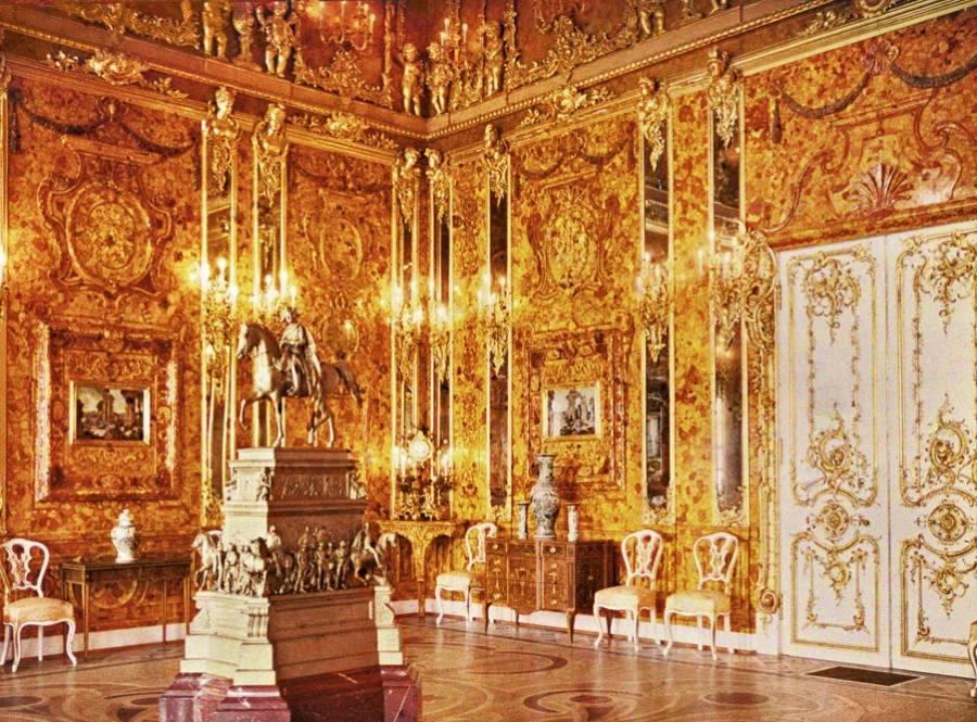 Pleasant The Amber Room The Golden Chamber Of The Tsar Stolen By The Interior Design Ideas Tzicisoteloinfo