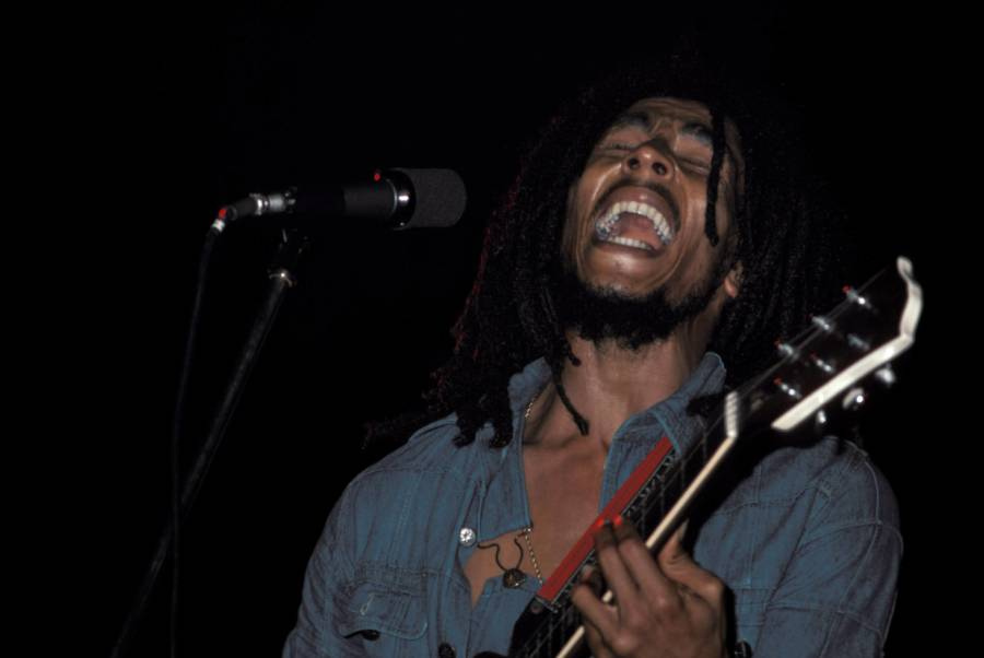 Bob Marley Singing