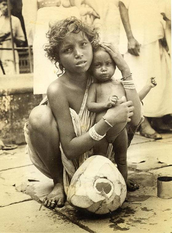 Bengali child bride with infant in Bengal Famine