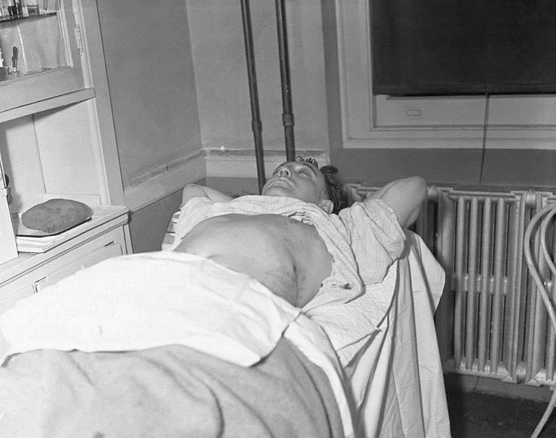 Dutch Schultz In Hospital Bed