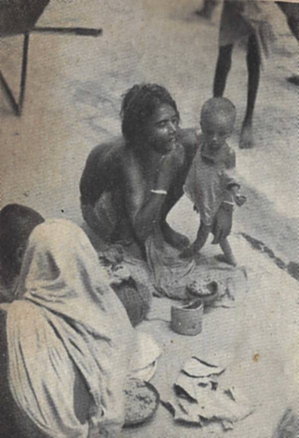 Starving Bengali mother and child