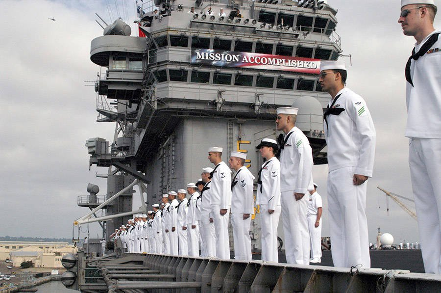 USS Lincoln and Navy men