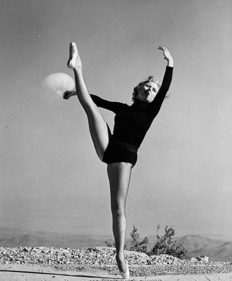 Nuclear Dancer Atomic Pinup