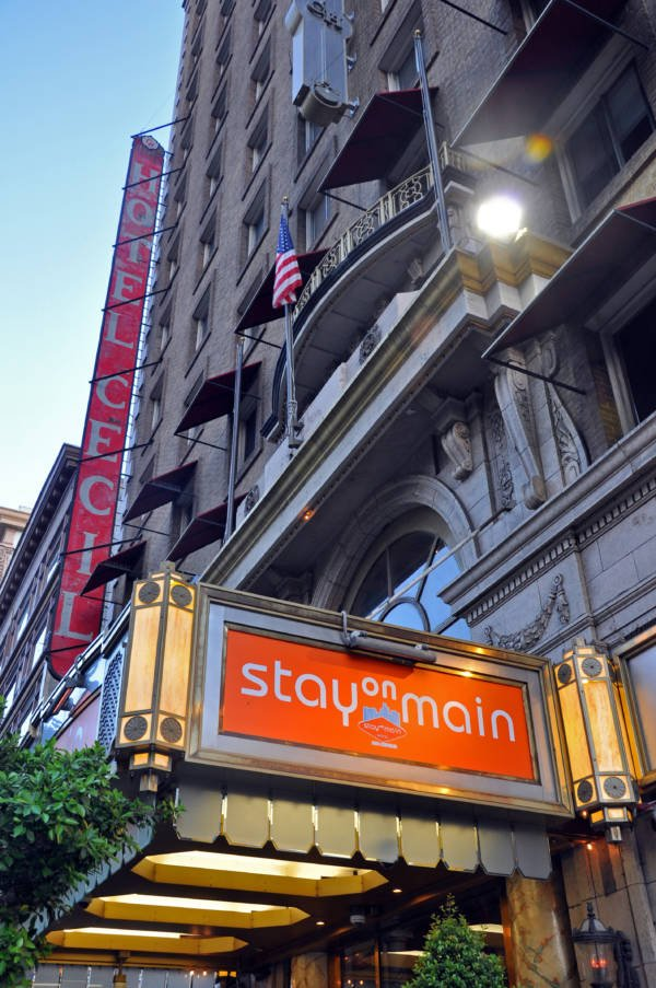 Stay On Main Hotel