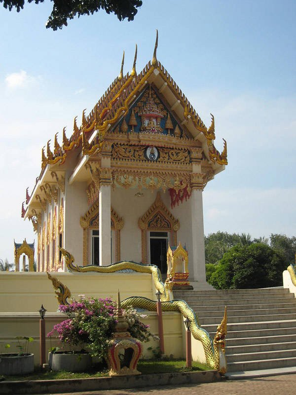 Wat Khunaram In Thailand