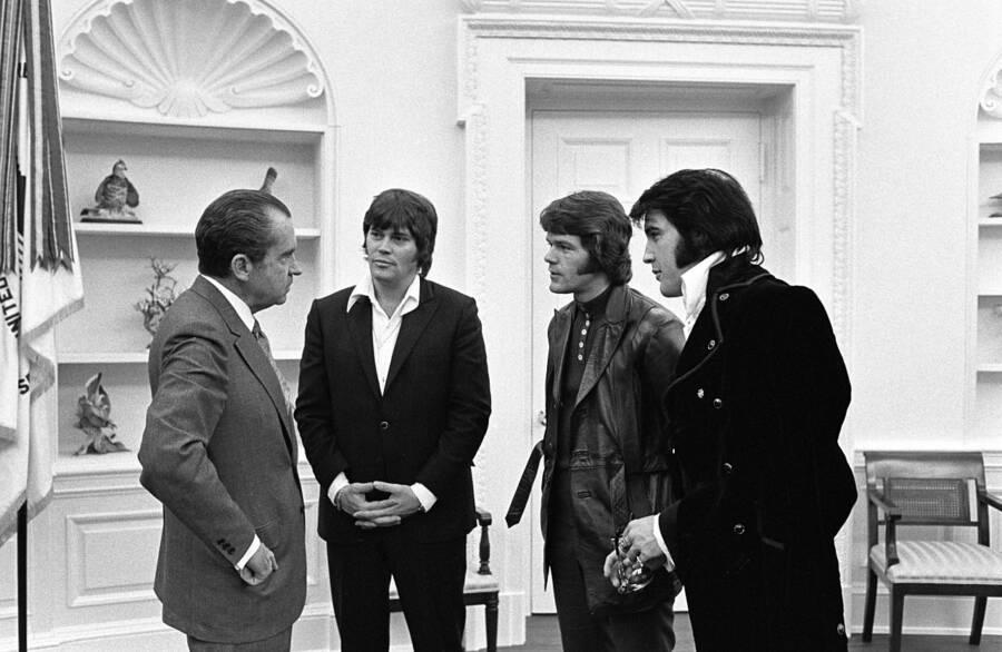 Elvis And Cronies Meet Nixon