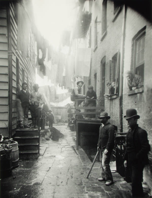 New York Alleyway With Gangsters