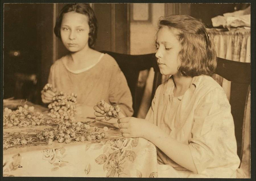 Girls Making Flowers