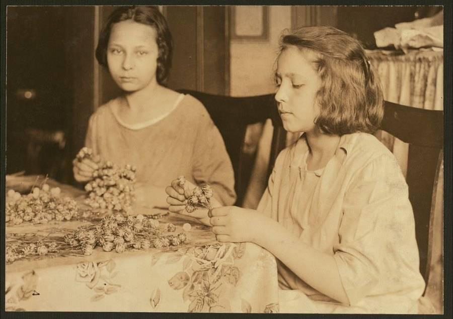 Girls Making Flowers