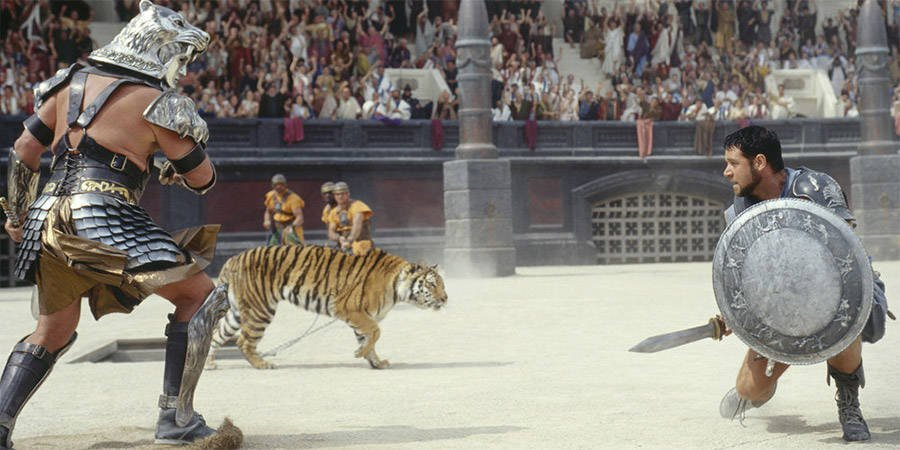 Maximus fights a warrior in Gladiator
