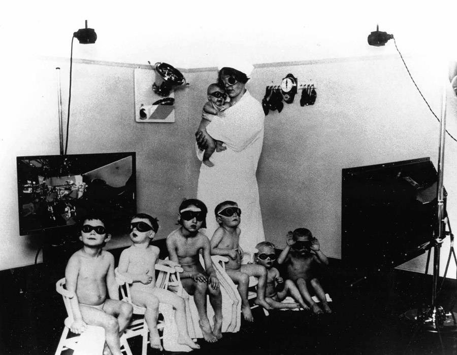 Lebensborn Nurse And Children