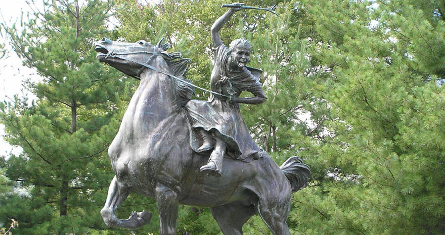 Statue of Sybil Ludington on a horse