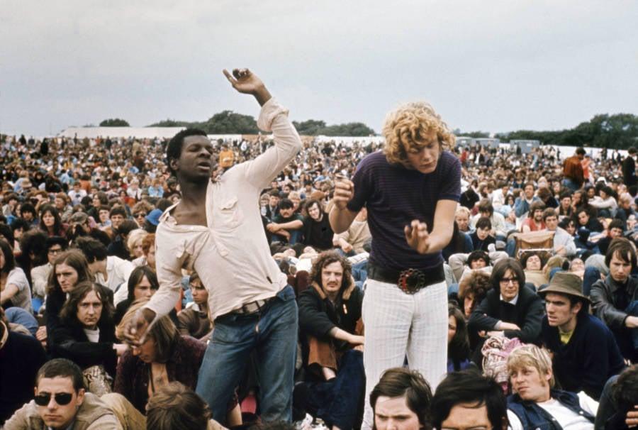 Men Dancing At Isle Of Wight