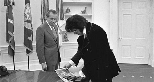 The Wild Story Behind The Famous Photo Of Elvis And Nixon