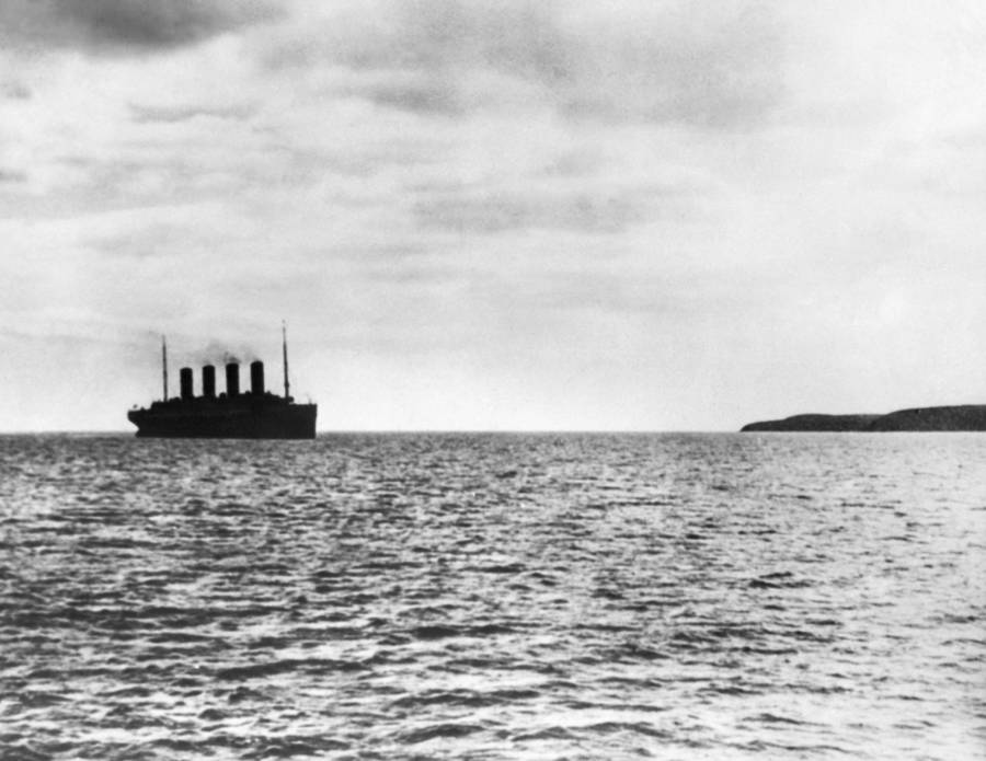 Titanic Sinking Silhouette