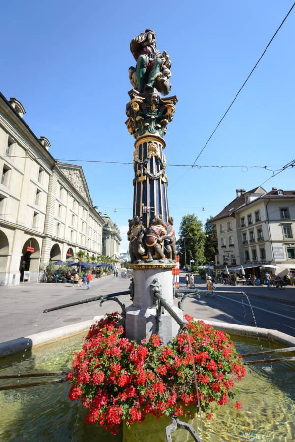 Kindlifresserbrunnen Statue In Bern