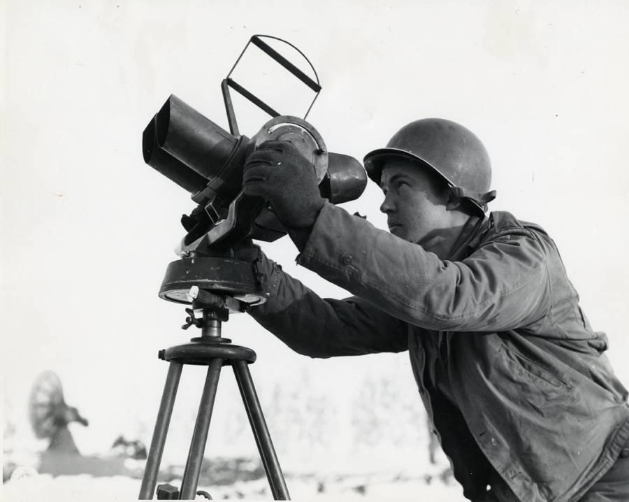 U.S soldier with an anti aircraft locator