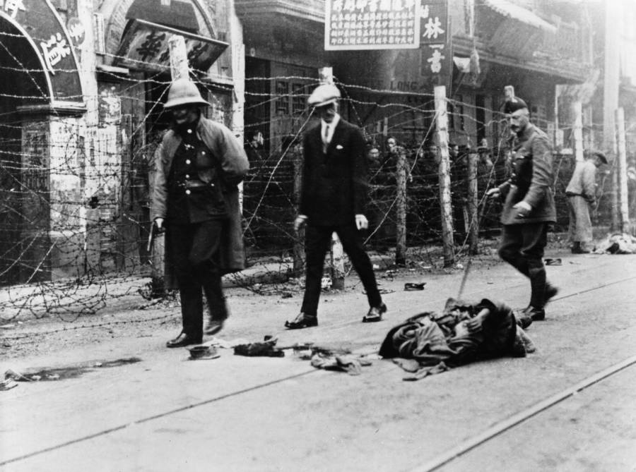 Body In Street During Chinese Civil War