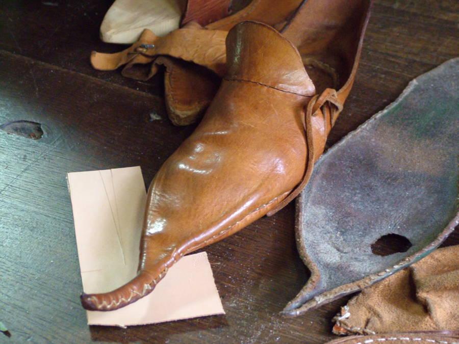 Crakow Footwear 1500s
