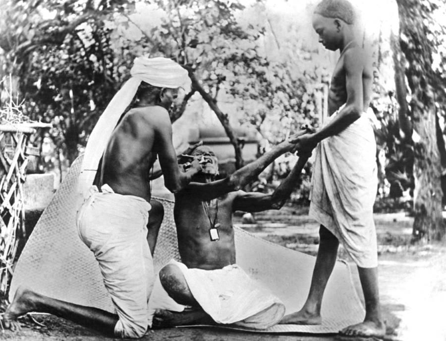 Indian Street Dentist