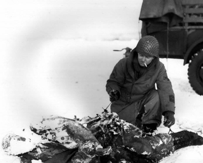 Inspecting a dead parachuter