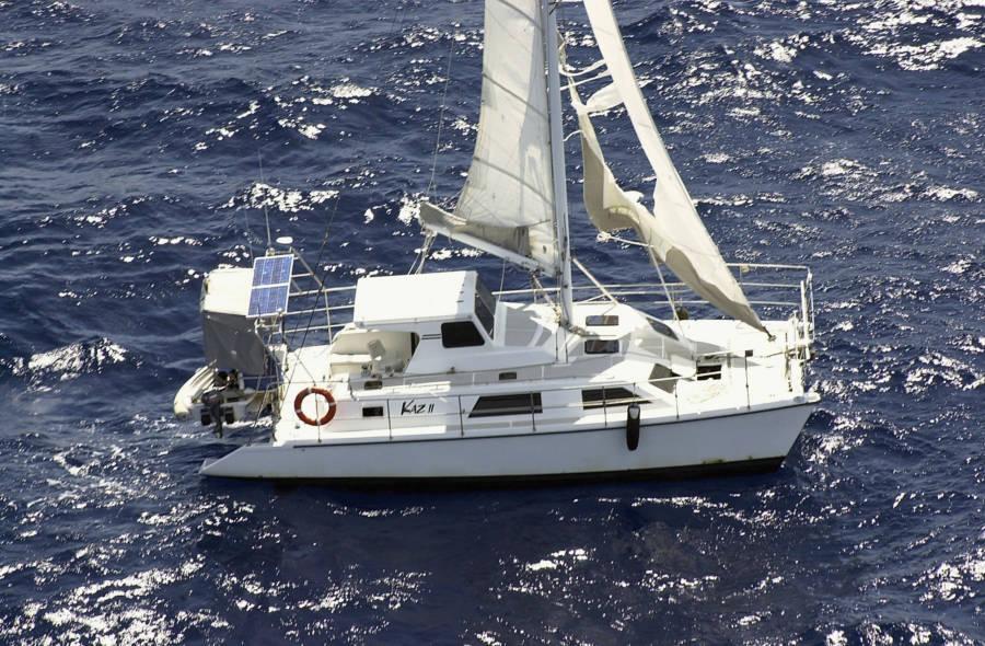 Kaz Ii at sea