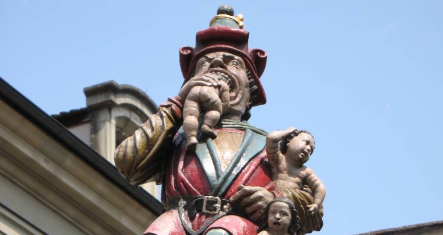 Kindlifresserbrunnen Statue Eating Baby