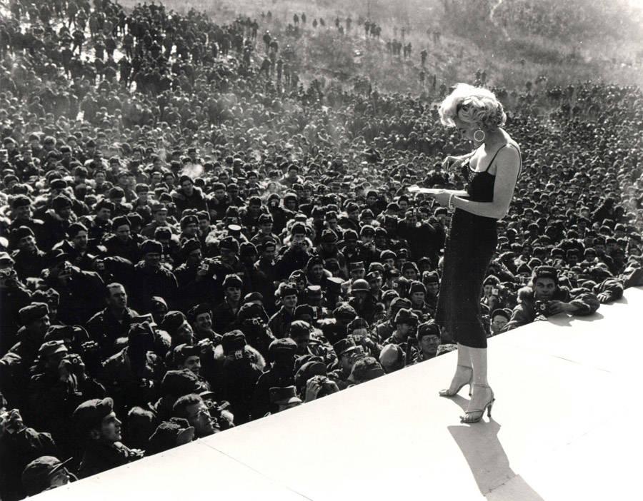 Marilyn Singing