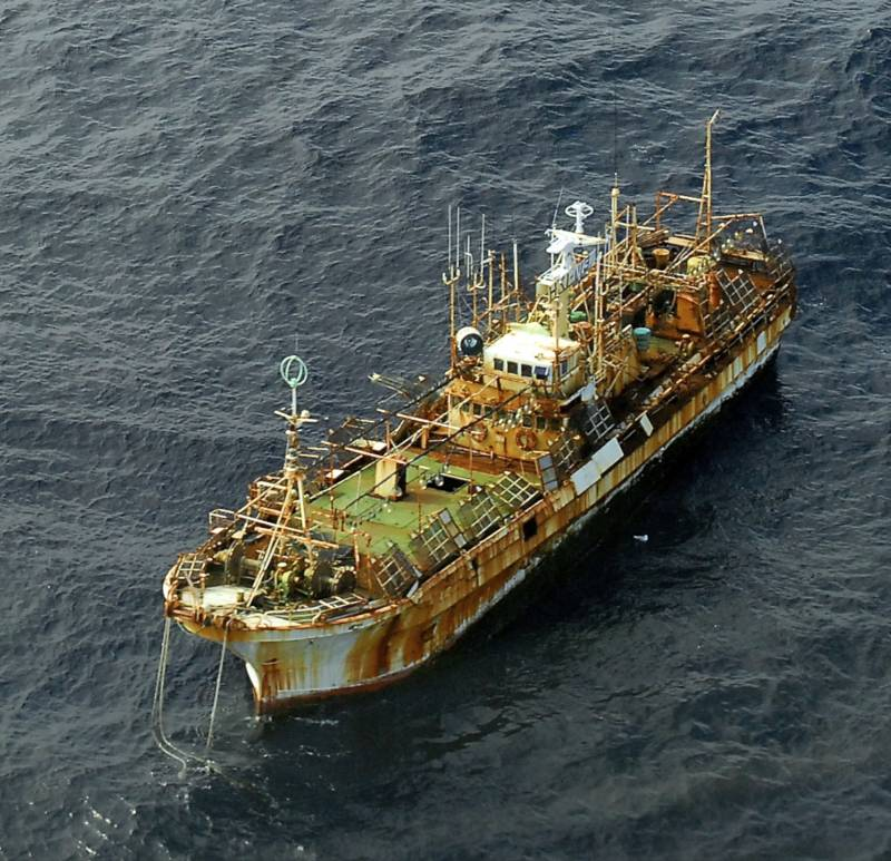 Ryou Un Maru at sea and rusted