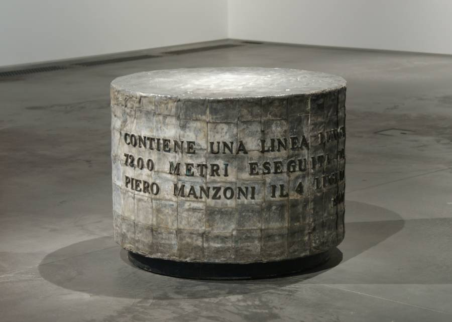 Piero Manzoni Art