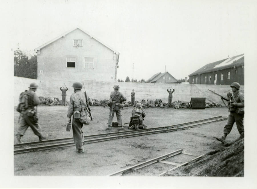 American's Execute Nazi Guards At Dachau Concentration Camp