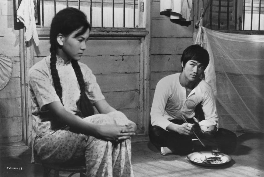 Bruce Lee and Maria Yi in Fist of Fury